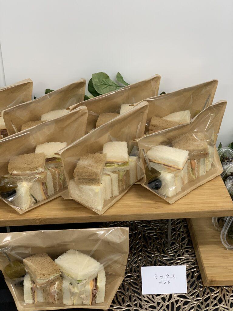 個包装のサンドイッチ